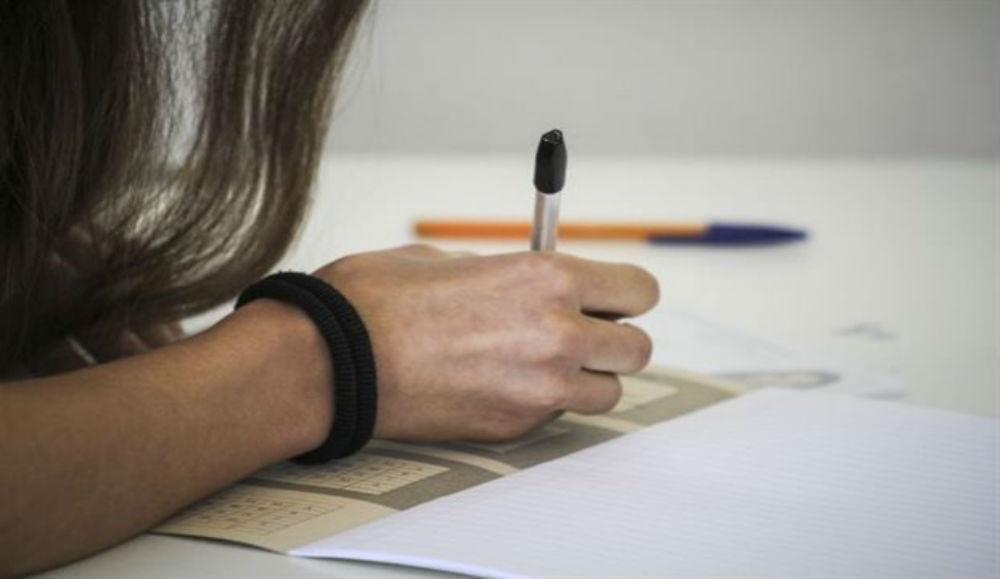 """Ανοίγει αύριο η """"αυλαία"""" των Πανελλαδικών Εξετάσεων με τους υποψήφιους των ΕΠΑΛ"""